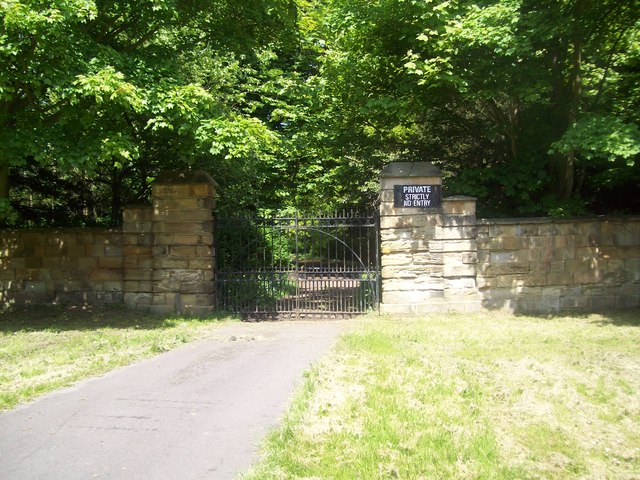 South East Entrance to the Lambton Estate - geograph.org.uk - 815430