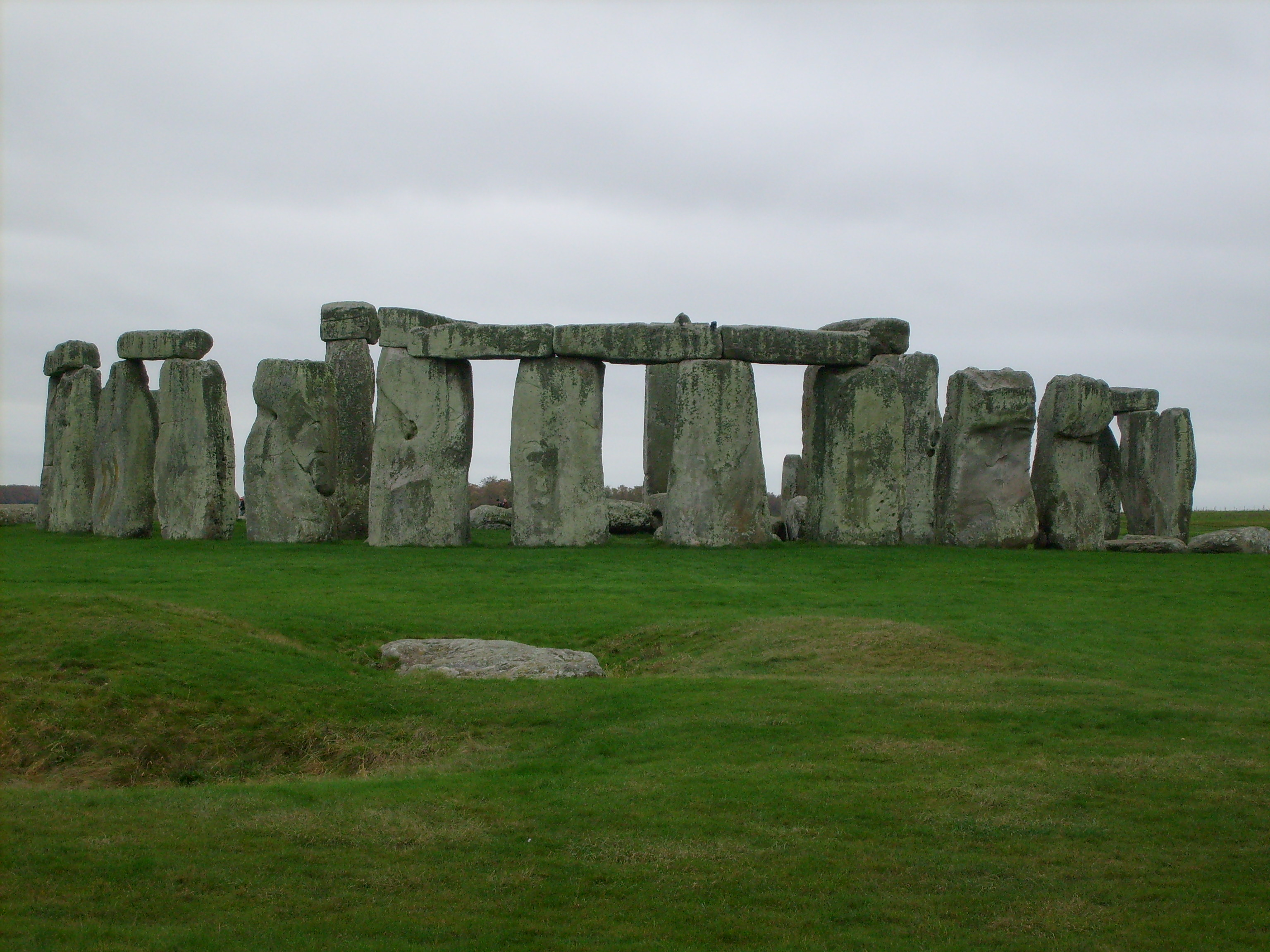 stonehedge purpose Theories & myths about the purpose & meaning of stonehenge: ancient sun calendar why was stonehenge built what is the meaning of stonehenge one of the most famous theories about stonehenge is that it was actually a big, ancient calendar designed to keep track of time and important astronomical events.