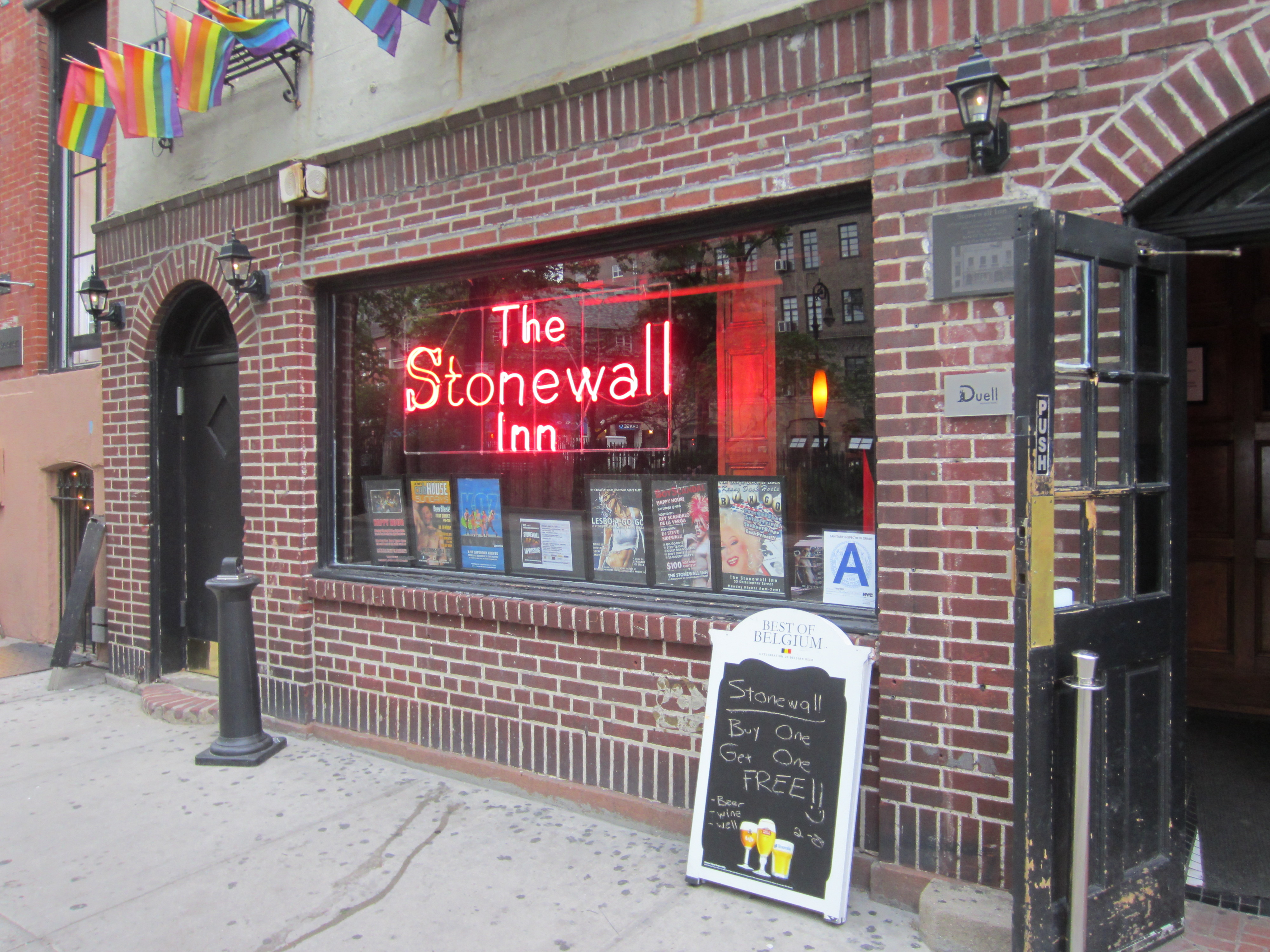 hispanic singles in stonewall The stonewall bar association of georgia, inc (stonewall) is a professional association of attorneys, judges, law students, paralegals and other legal professionals who support the rights of lesbian, gay, bisexual and transgender people, and who oppose discrimination based upon sexual orientation or gender identity.
