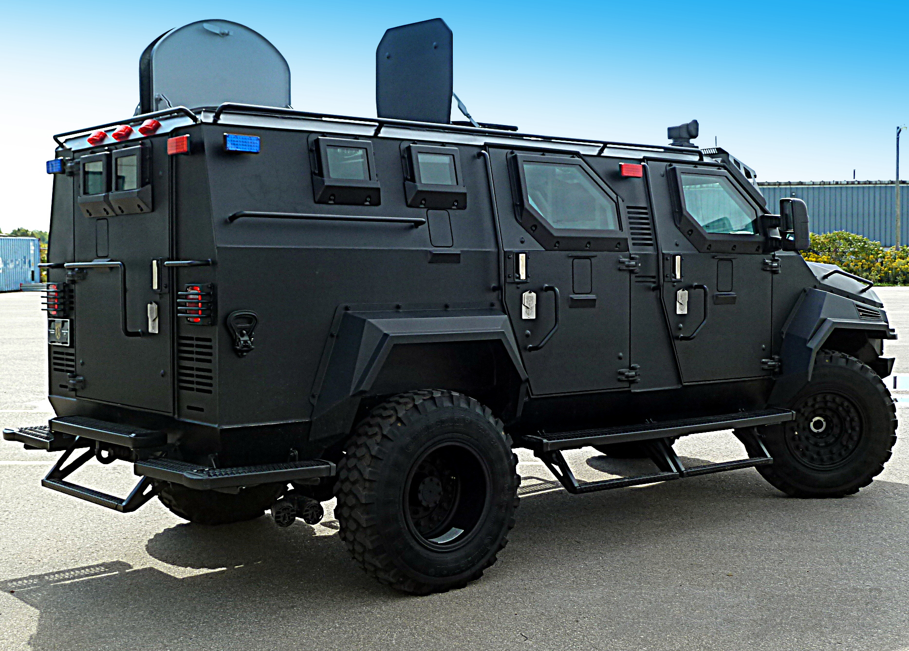 Streit Group Spartan Apc Swat