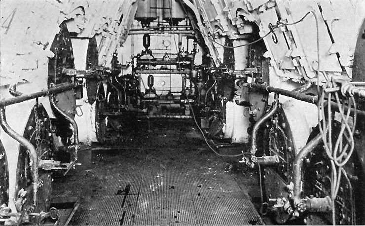 USS_Wilhelmina_%28ID-2168%29_boiler_room.jpg
