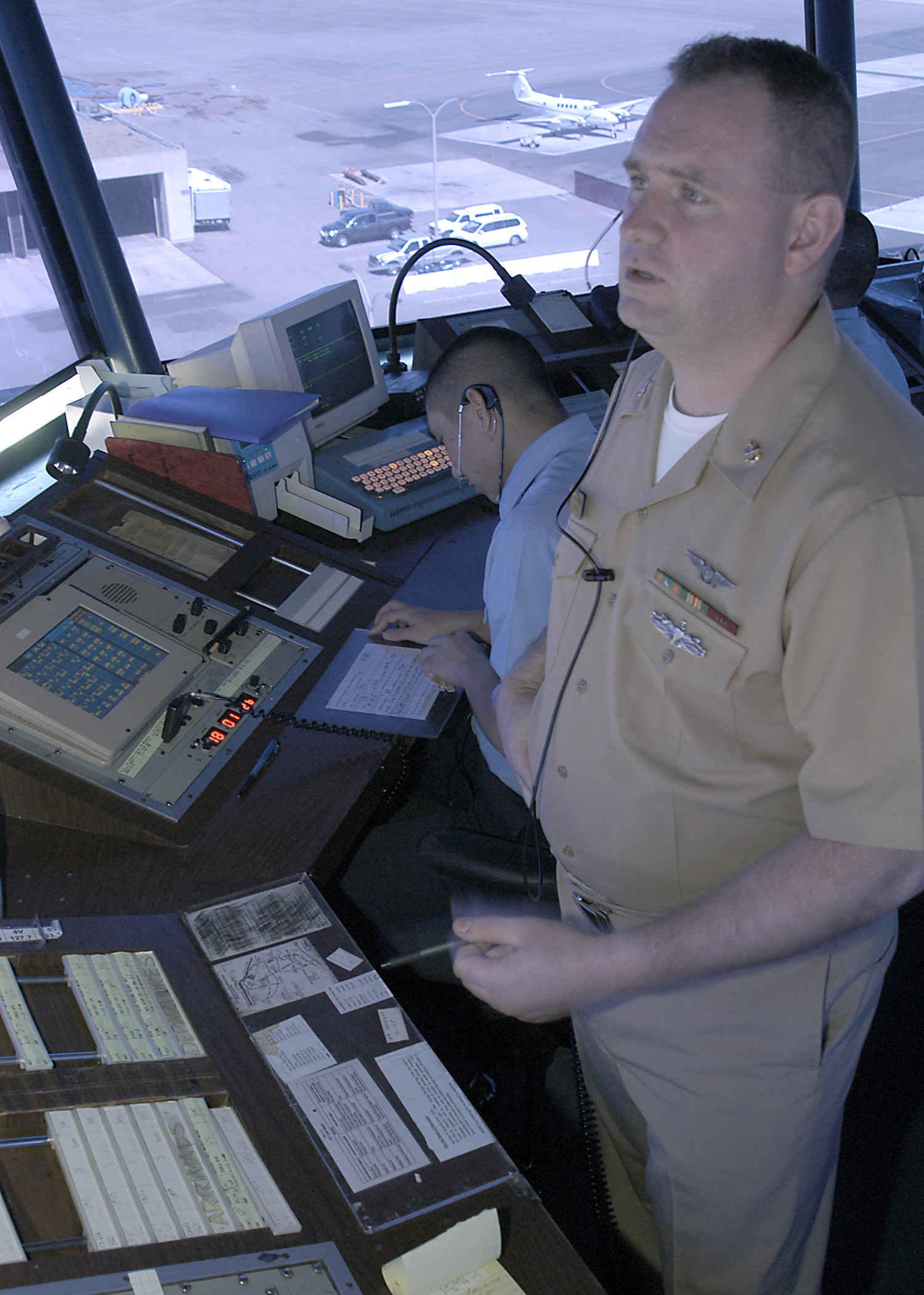 File:US Navy 050405-N-7281D-016 Chief Air Traffic Controller Scott ...