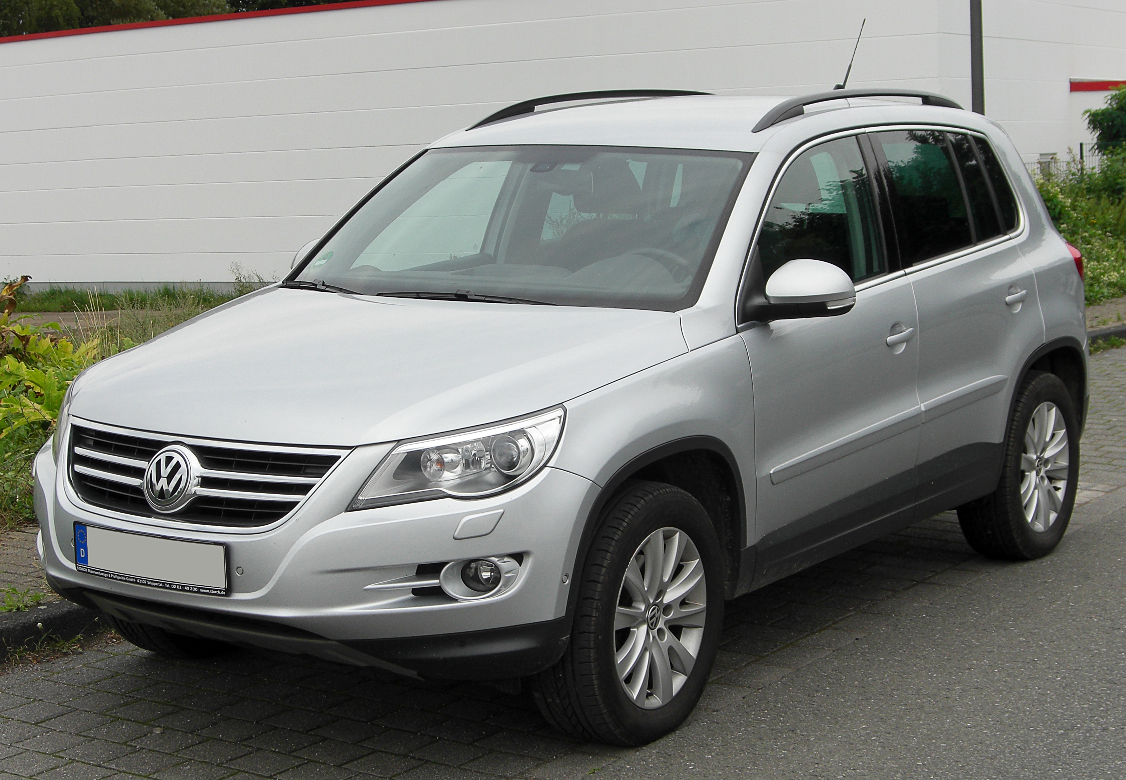 file vw tiguan 2 0 tdi front wikipedia. Black Bedroom Furniture Sets. Home Design Ideas