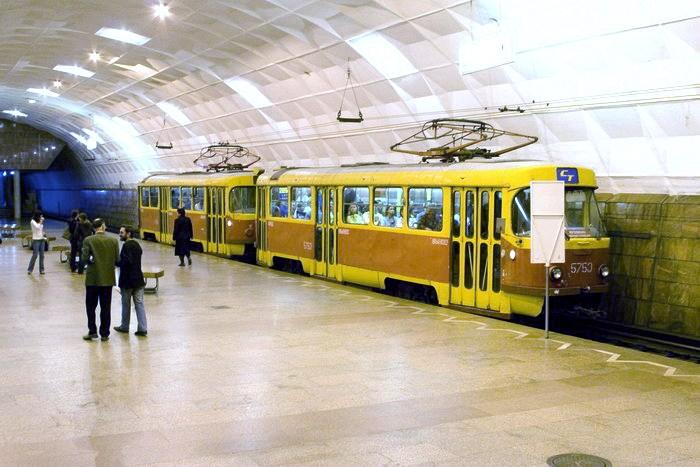20.02.2012. Мэрия Новосибирска обещает в 2014 году начать строительство первых лийни скоростного трамвая...