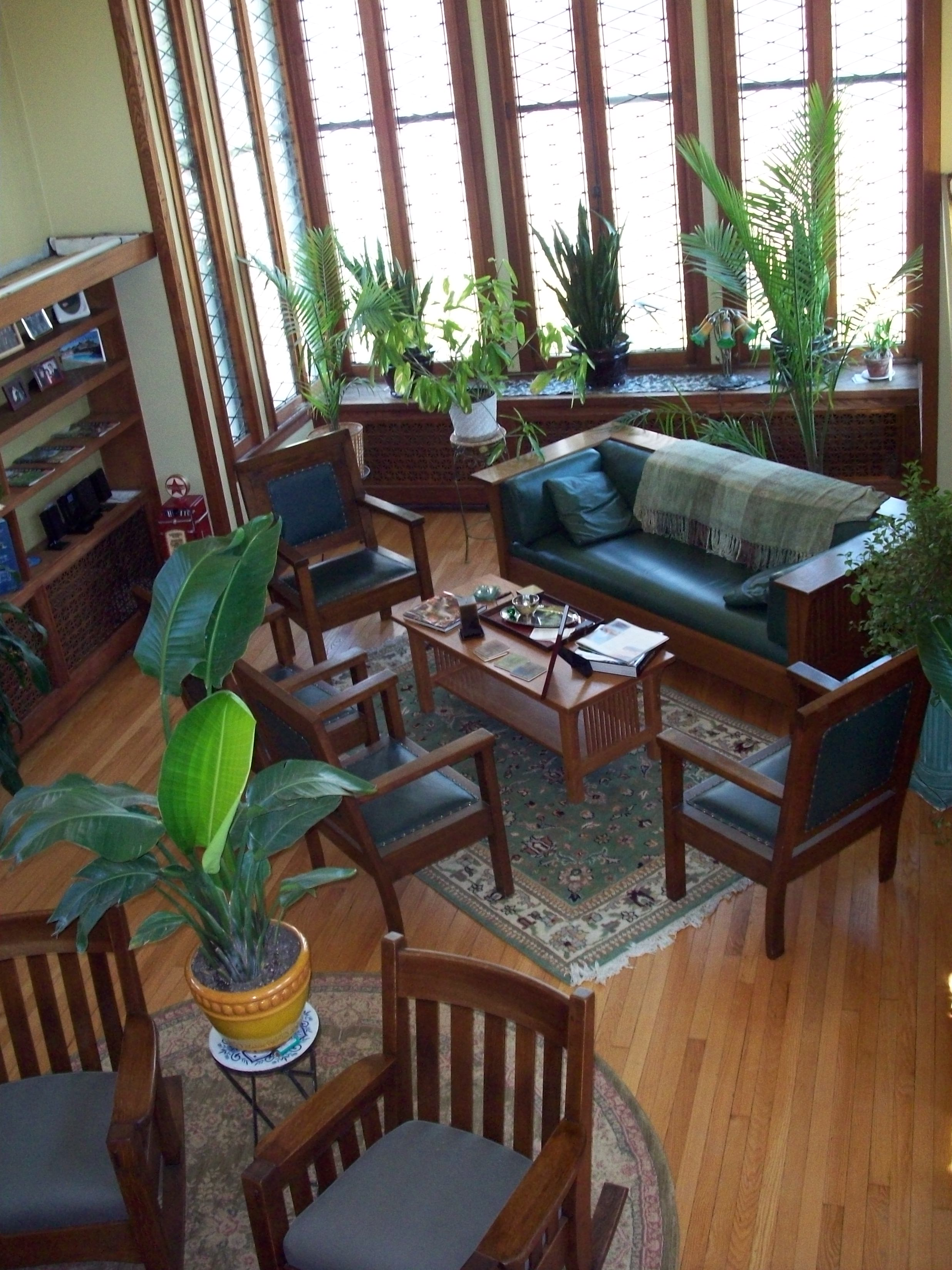 File:Walter V. Davidson House inside living room.JPG