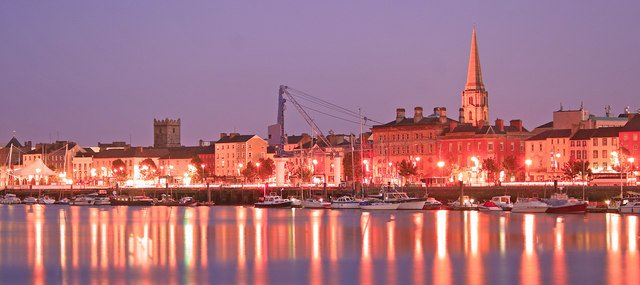 File:Waterford city at night - geograph.org.uk - 1034017.jpg