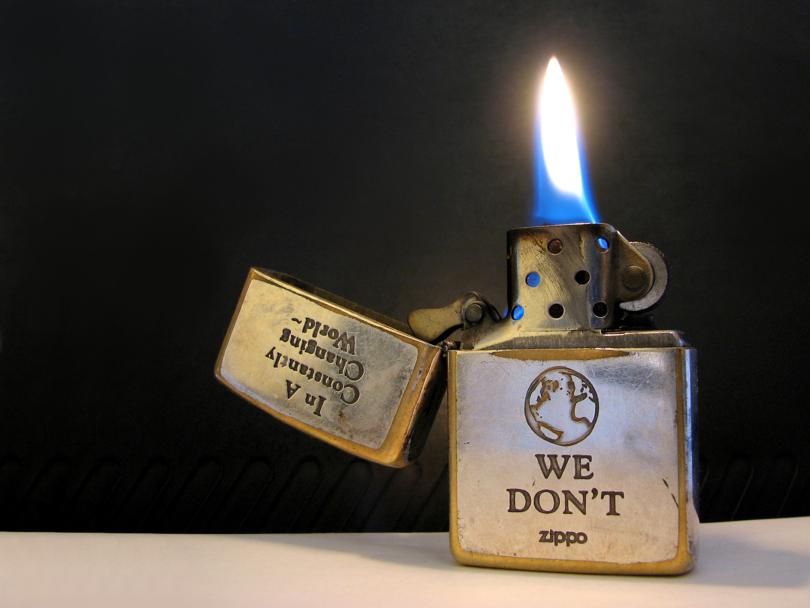 File:Zippo light.jpg - Wikipedia, the free encyclopedia