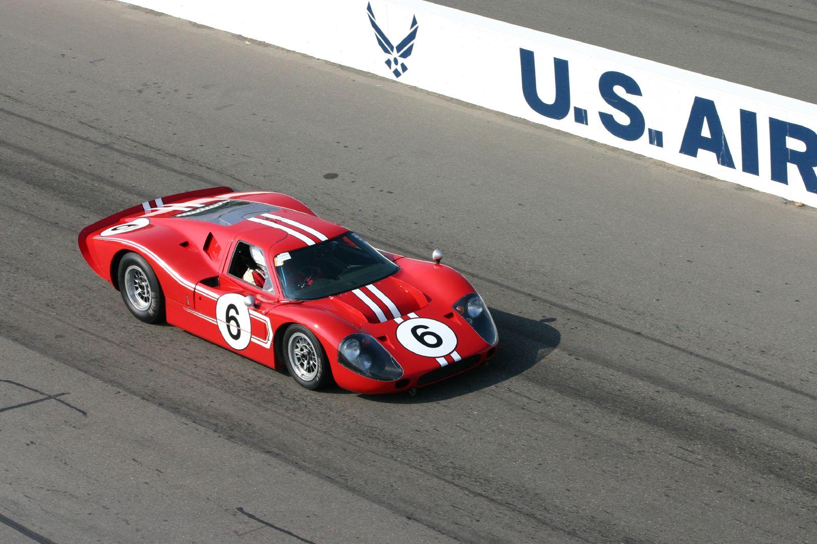 File:1967 Ford GT40 Mk IV at 2004 Sportscar Vintage Racing ...