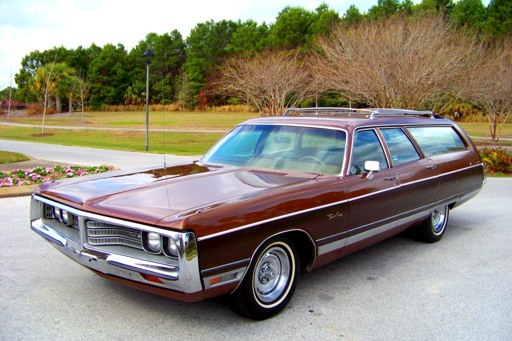 file 1972 chrysler town  u0026 country station wagon jpg