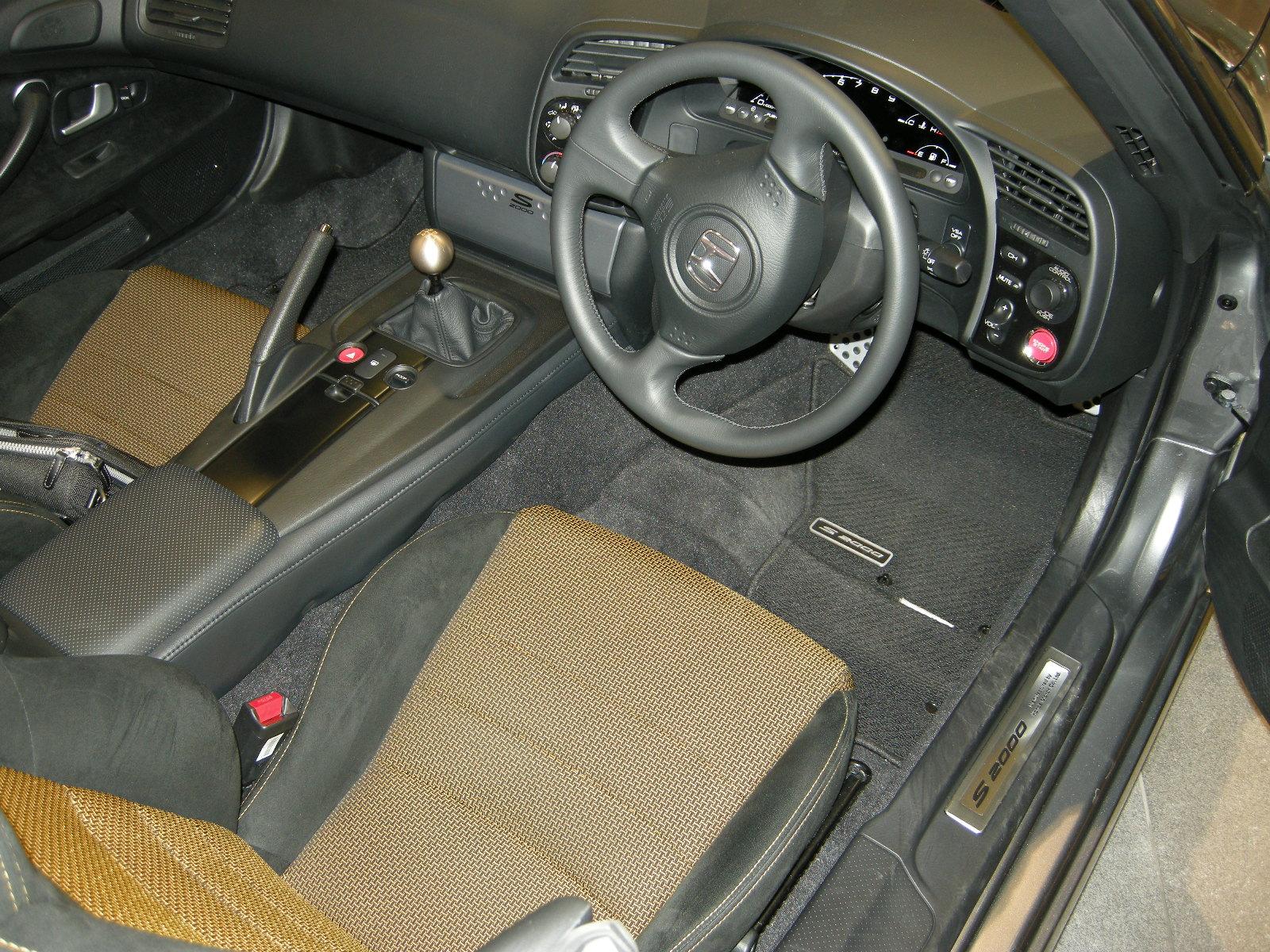 File:2007 Honda S2000 TypeS Interior.JPG - Wikimedia Commons
