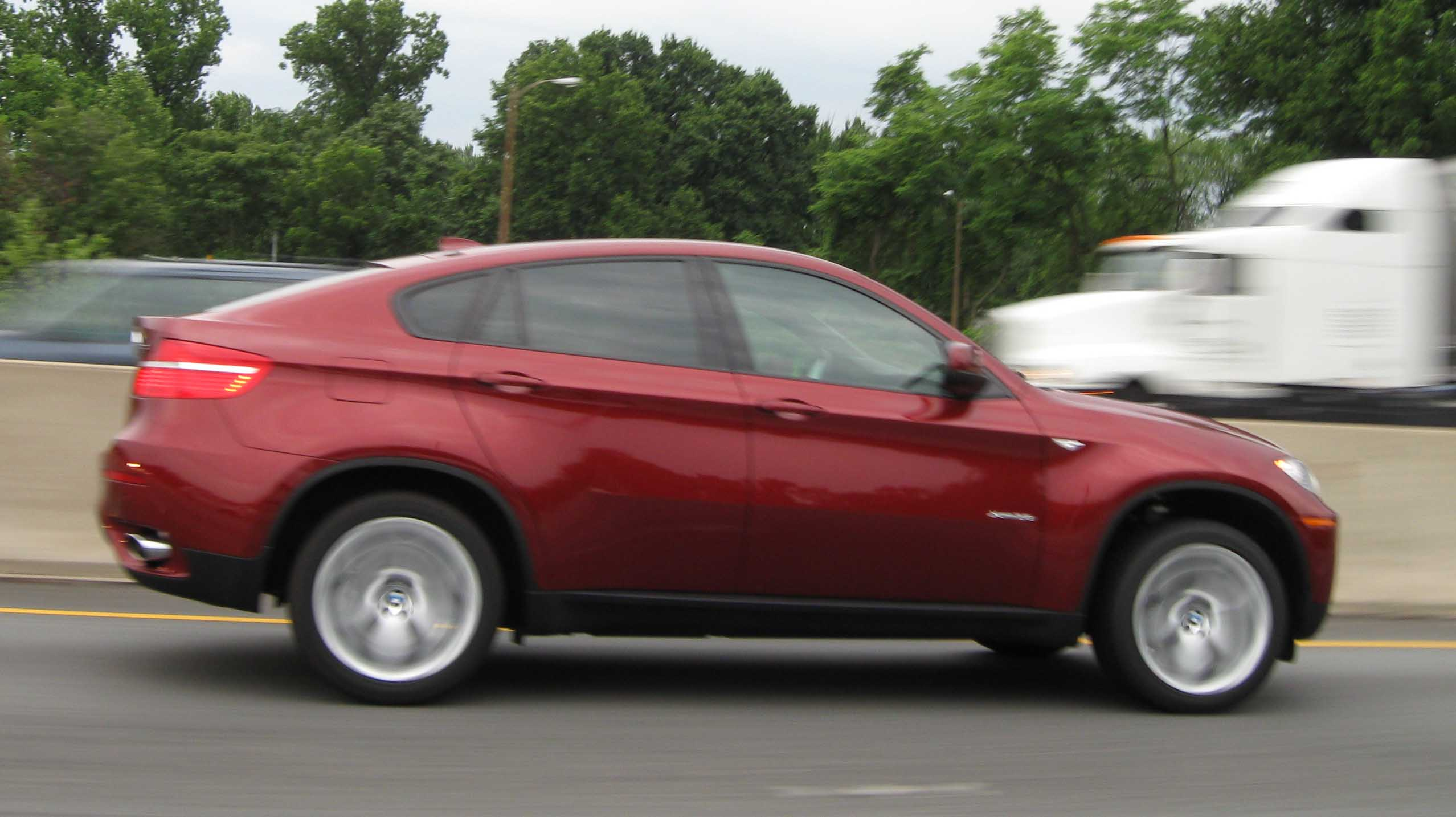 File:2009 BMW X6 side.jpg - Wikimedia Commons