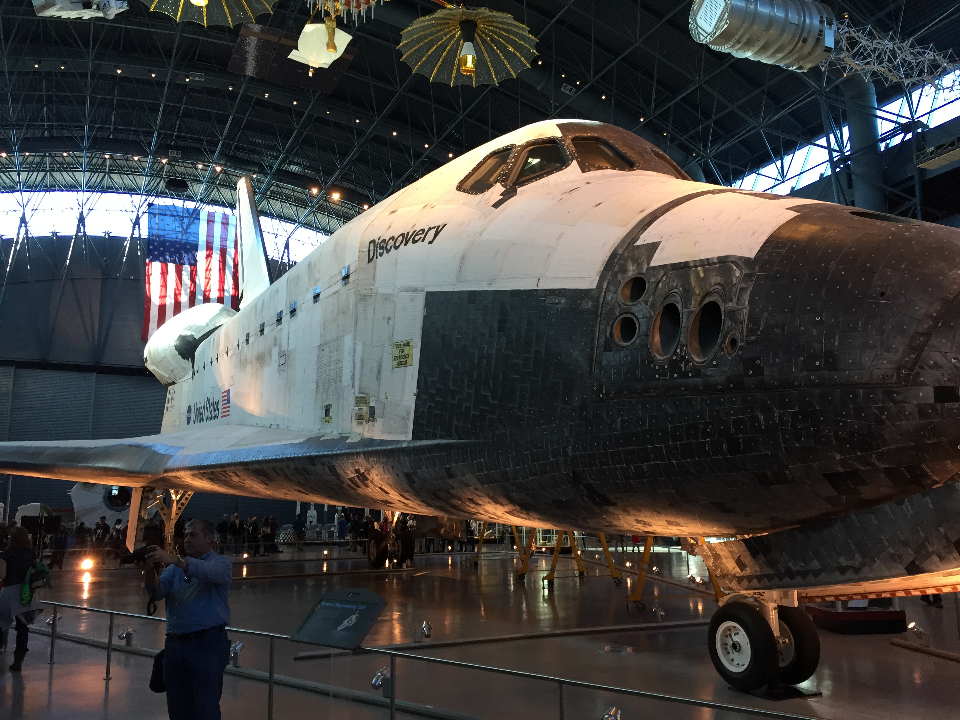space shuttle discovery smithsonian - photo #4