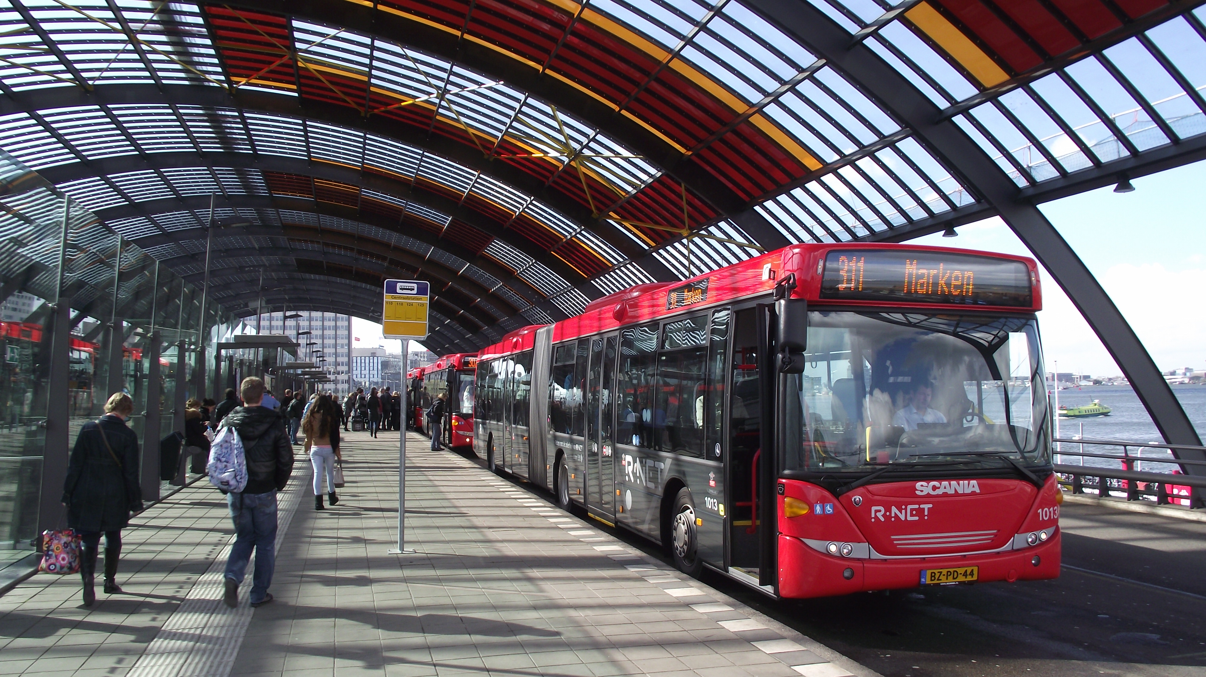 file amsterdam cs busstation bus marken jpg wikimedia commons. Black Bedroom Furniture Sets. Home Design Ideas