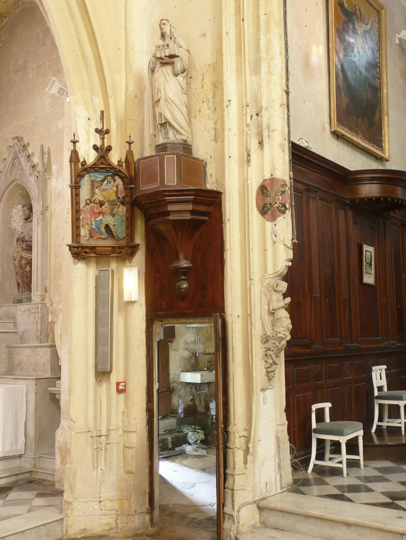 Au Revers Et Au-dessus De Cette Porte Se Trouve Une Statue En Pierre De  Saint Clément Appuyé Sur Son Ancre (PHOTO), Fin XVII Siècle Ou Début XVIII  Siècle, ...