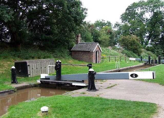 Audlem Locks No 4, Shropshire Union Canal, Cheshire - geograph.org.uk - 580005