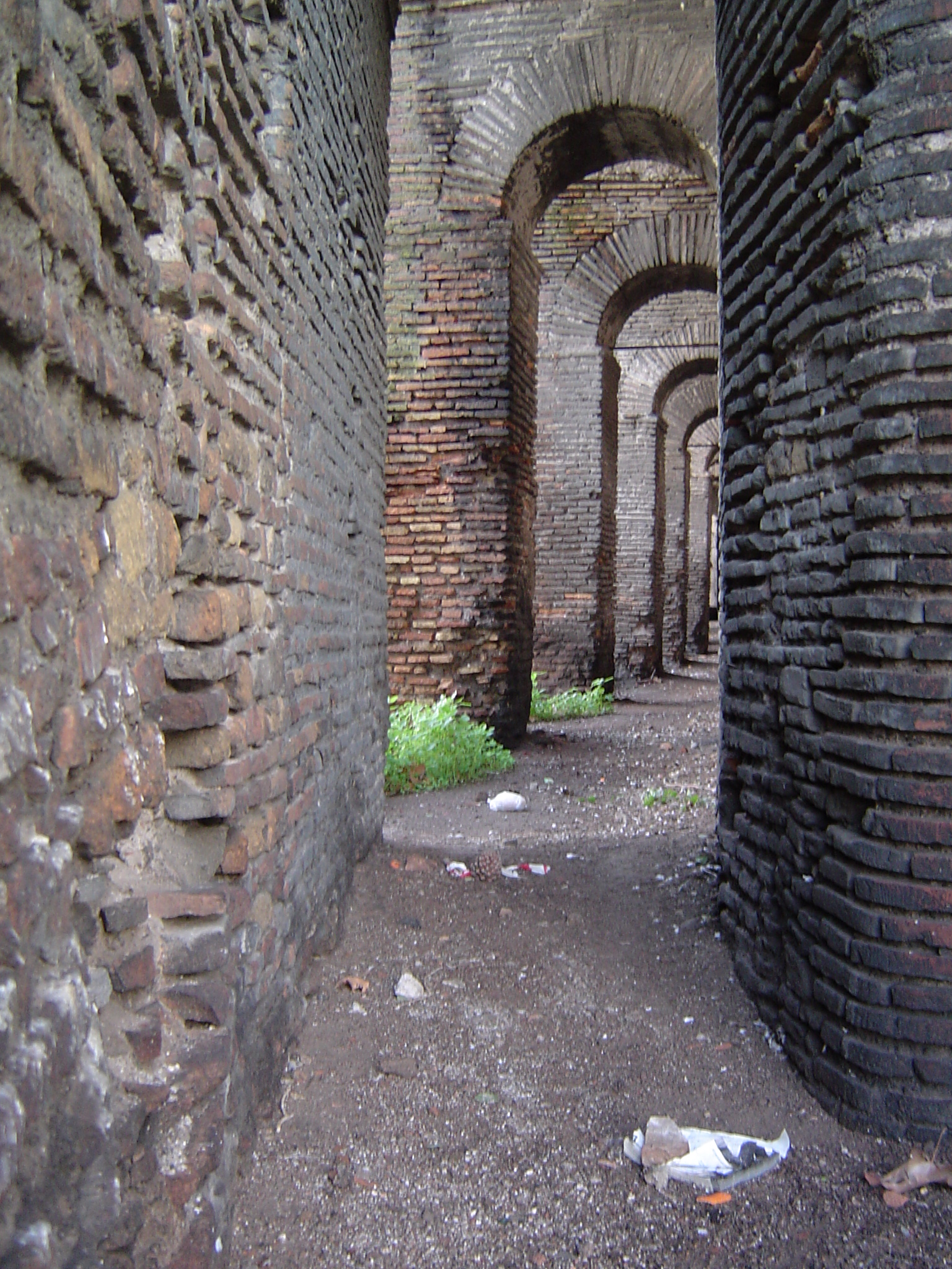 File Aurelian Wall Sentry Jpg Wikimedia Commons