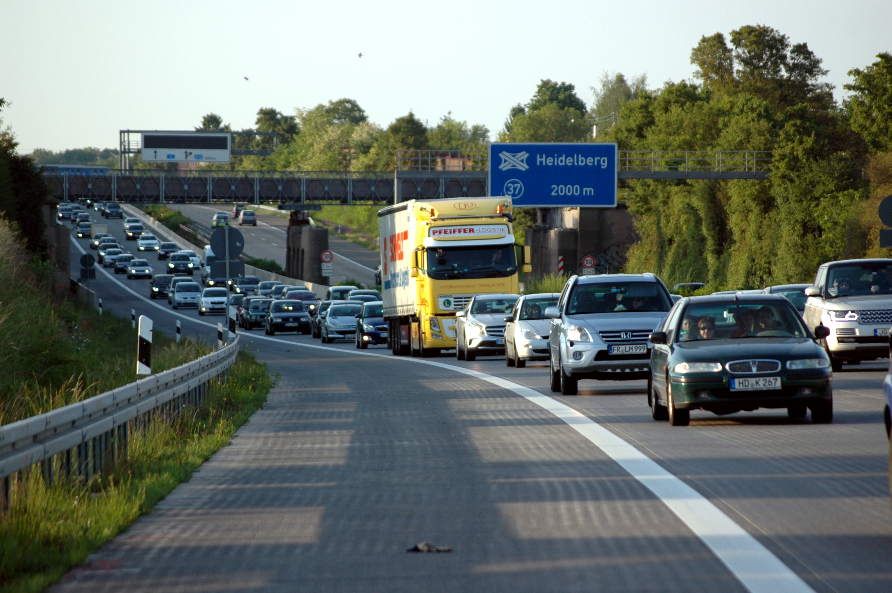 Autobahn 5 Stau