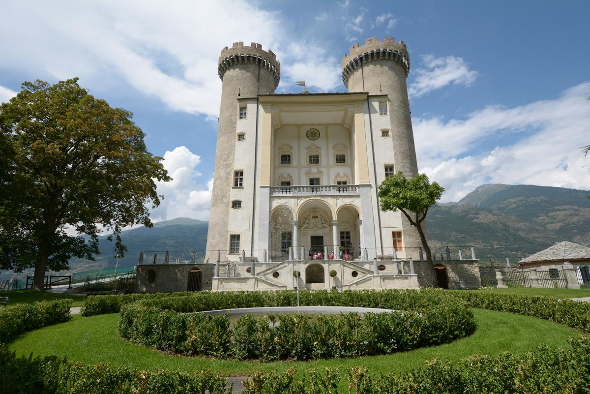 Castello di Aymavilles - Wikipedia
