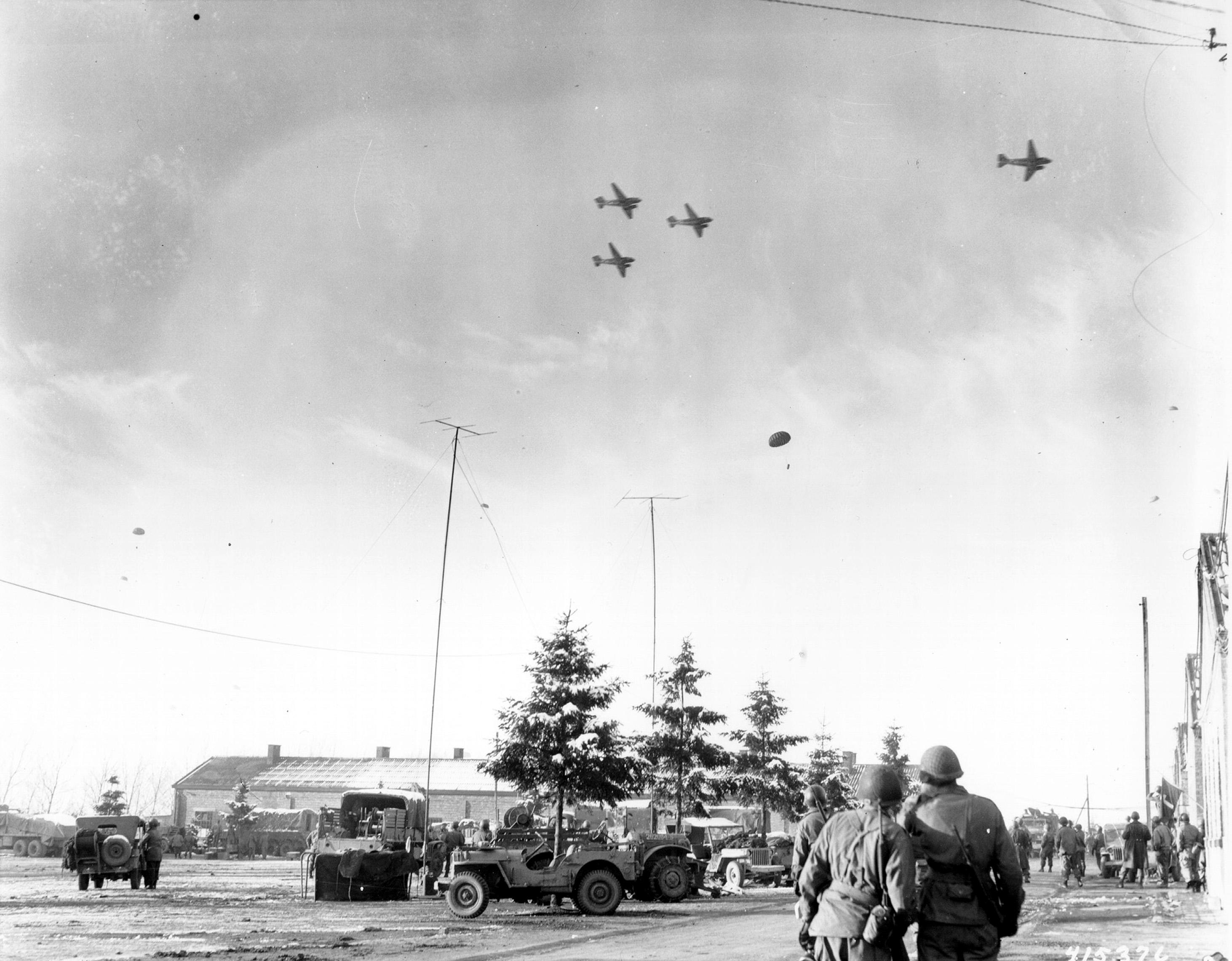 Bastogne resupply1944 sm.jpg