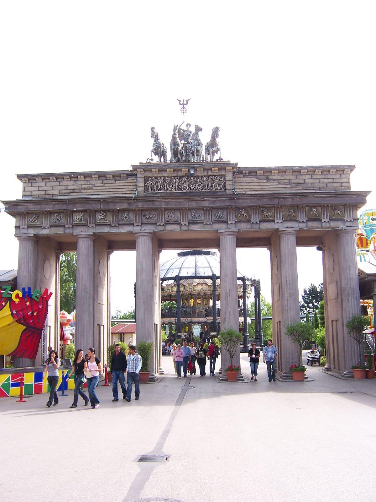 File Brandenburger Tor Im Phantasialand Jpg Wikimedia Commons