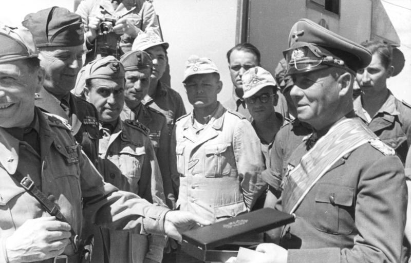 File:Bundesarchiv Bild 101I-784-0212-34, Nordafrika, Rommel, Ordensverleihung.jpg