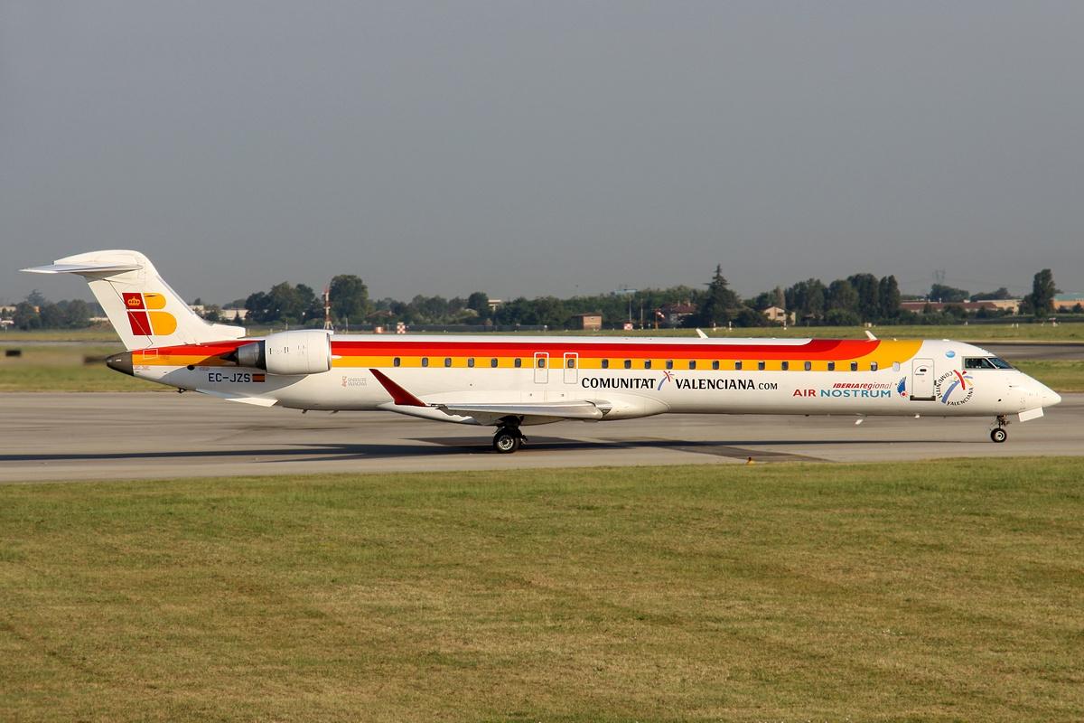 File:Canadair CL 600 2D24 Regional Jet CRJ 900, Air Nostrum