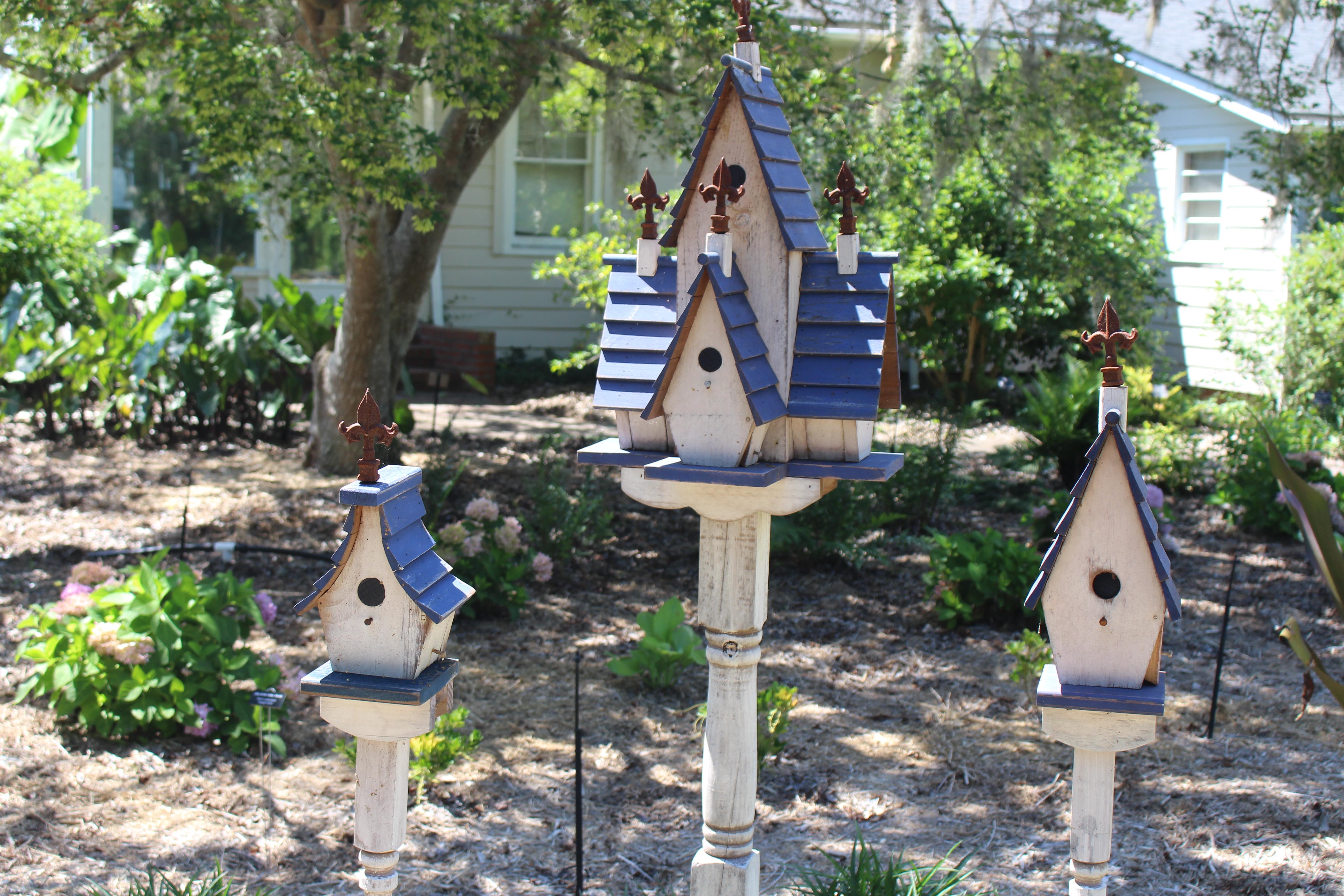 File:Coastal Georgia Botanical Gardens, Birdhouses