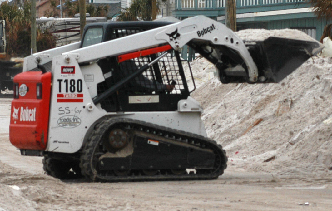 File:Compact tracked loader Bobcat T180 jpg - Wikimedia Commons