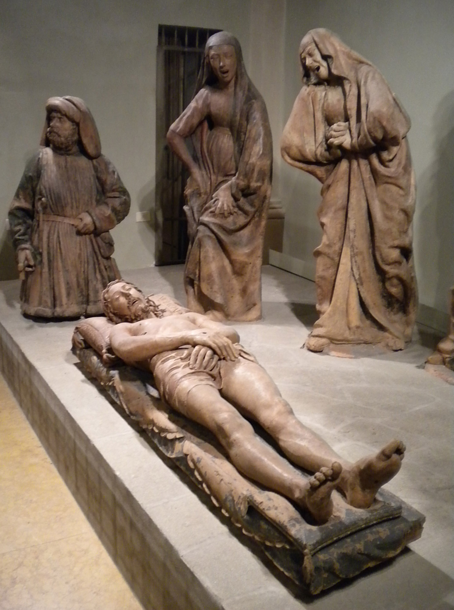 https://upload.wikimedia.org/wikipedia/commons/7/7a/Compianto_sul_Cristo_morto%2C_Niccol%C3%B2_dell%27Arca%2C_Bologna.jpg