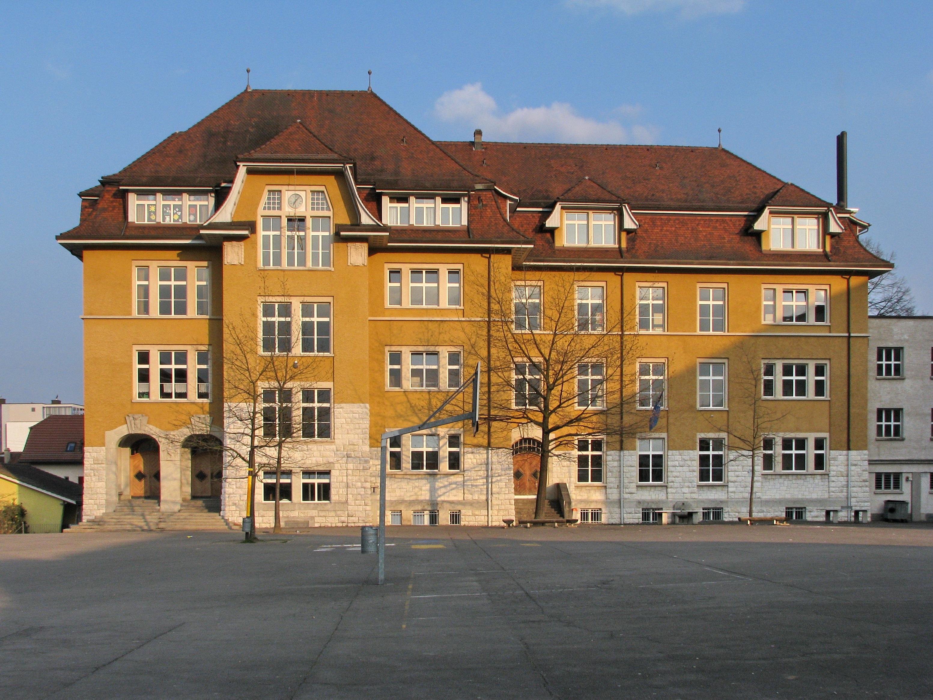 Dietikon Switzerland  city photos : Description Dietikon Zentralschulhaus IMG 6138 ShiftN