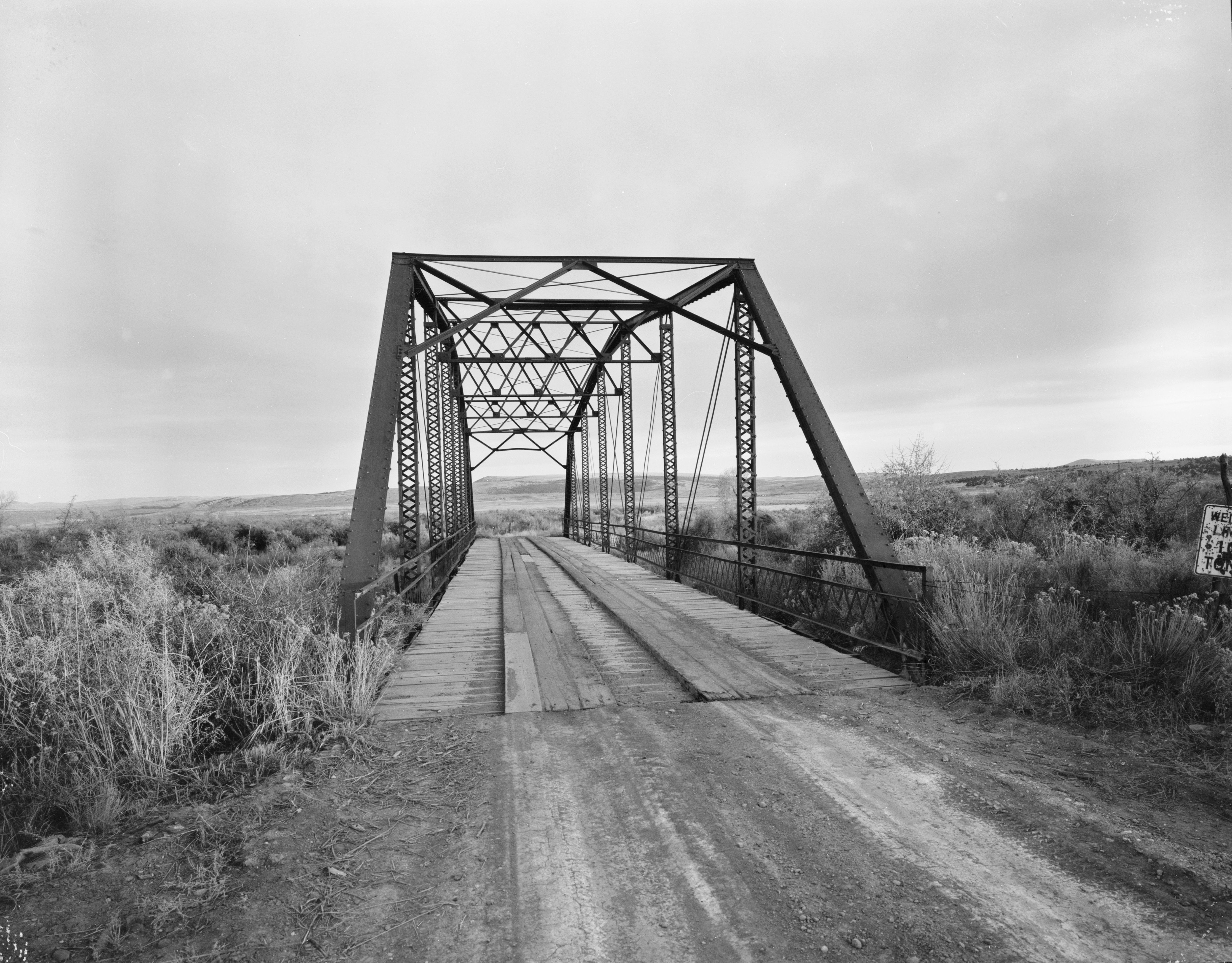 essay the owl creek bridge
