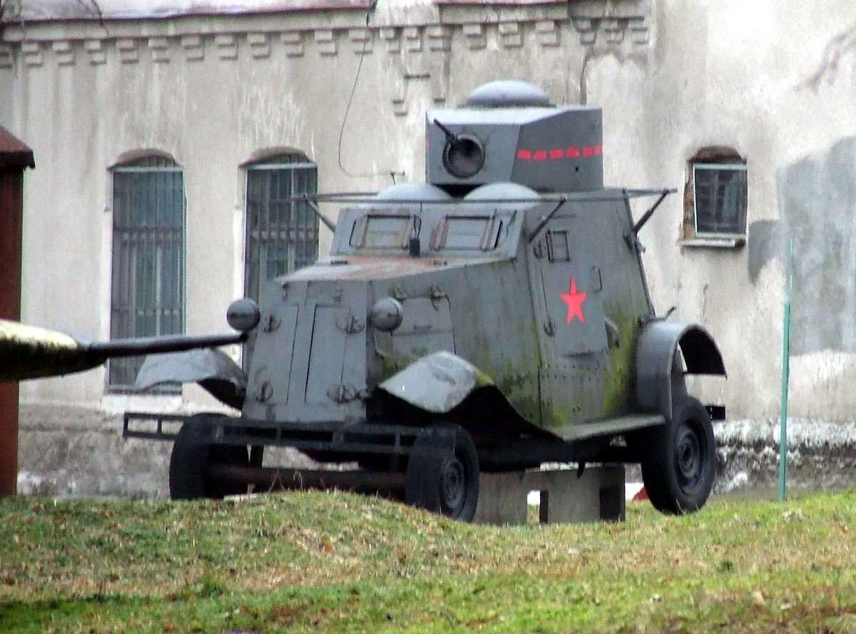 https://upload.wikimedia.org/wikipedia/commons/7/7a/FAI_armoured_car.jpg