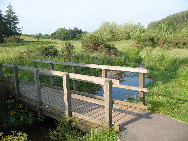 Footbridge over the Humbleton Burn - geograph.org.uk - 1420436