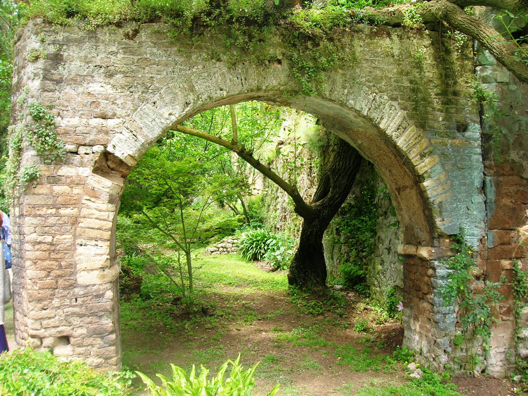 1000 images about nature garden of ninfa on pinterest for Giardino di ninfa italy