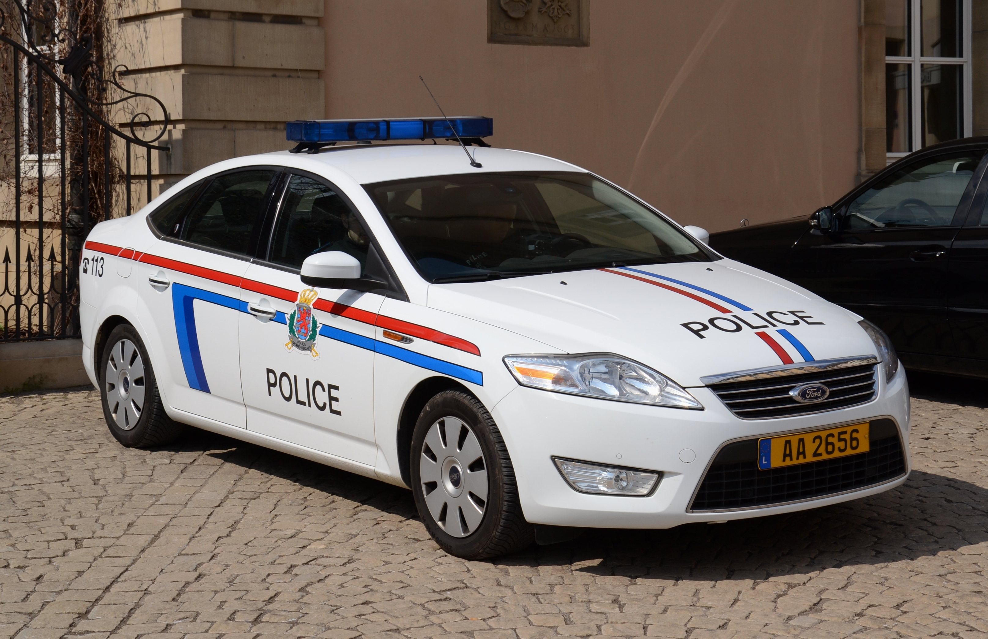 File:Grand Ducal Police car (Ford) in Luxembourg City.jpg ...