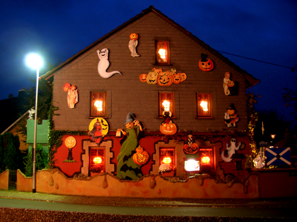 FileHalloween,haus,2007,in,spall , Wikimedia Commons