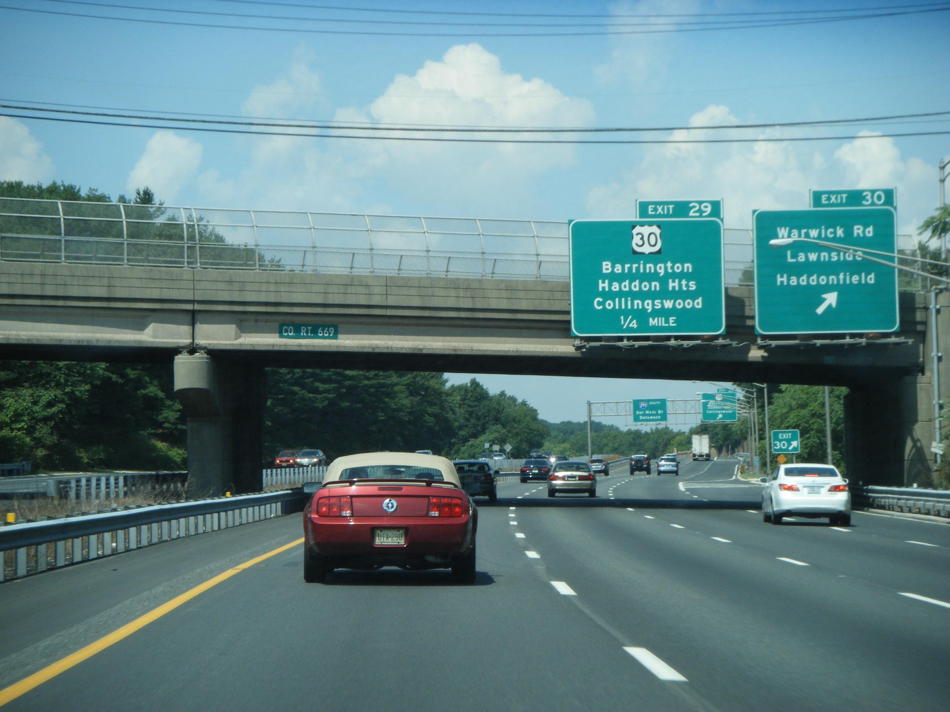 File:I-295 NJ SB at Warwick Road exit.jpg