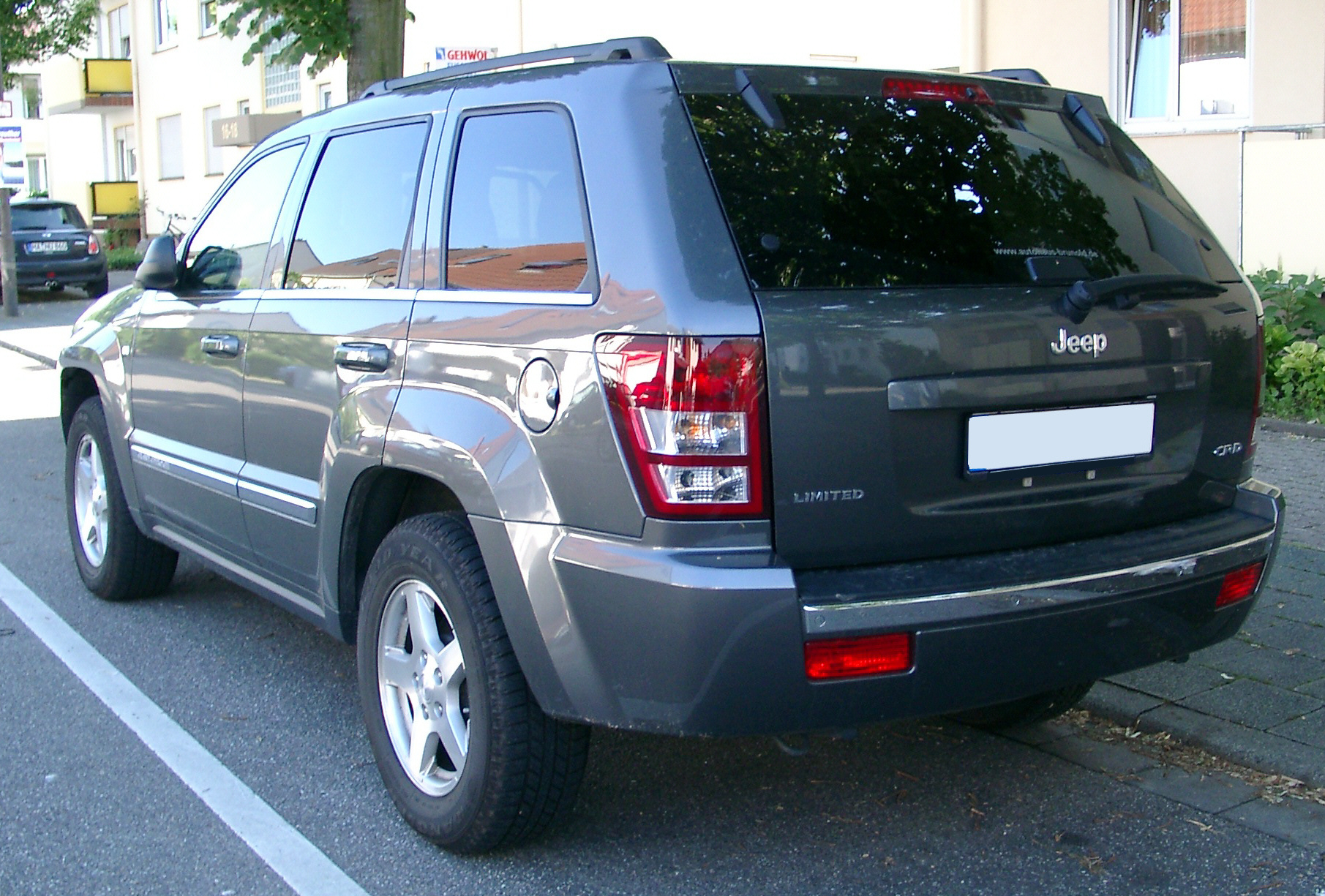 File:Jeep Grand Cherokee rear 20070518.jpg - Wikimedia Commons