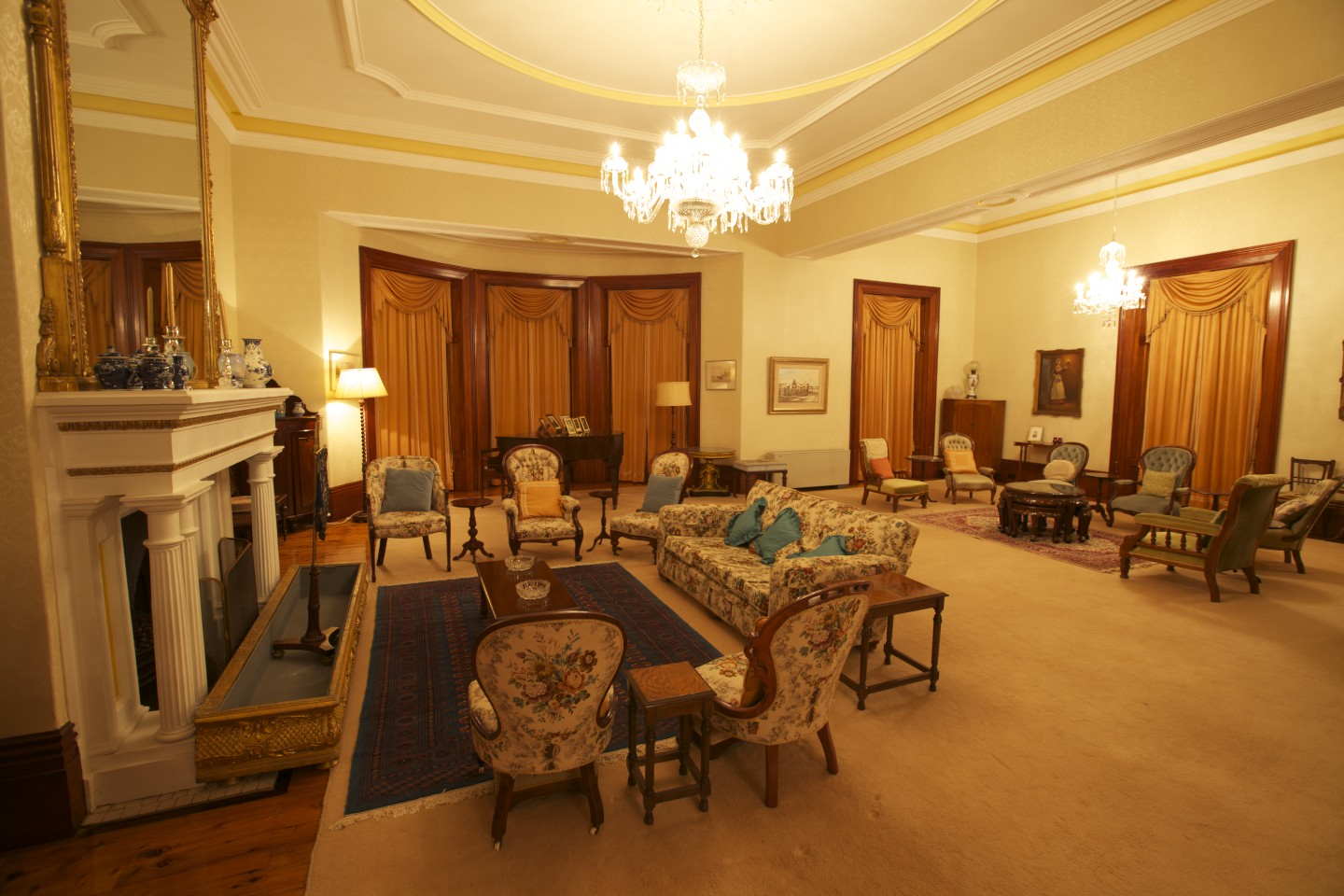 inside mansion house living room the