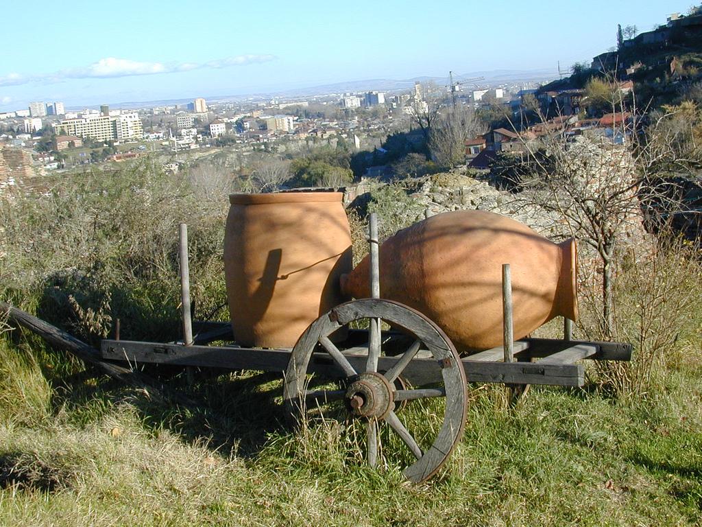 Georgian winemaking jugs