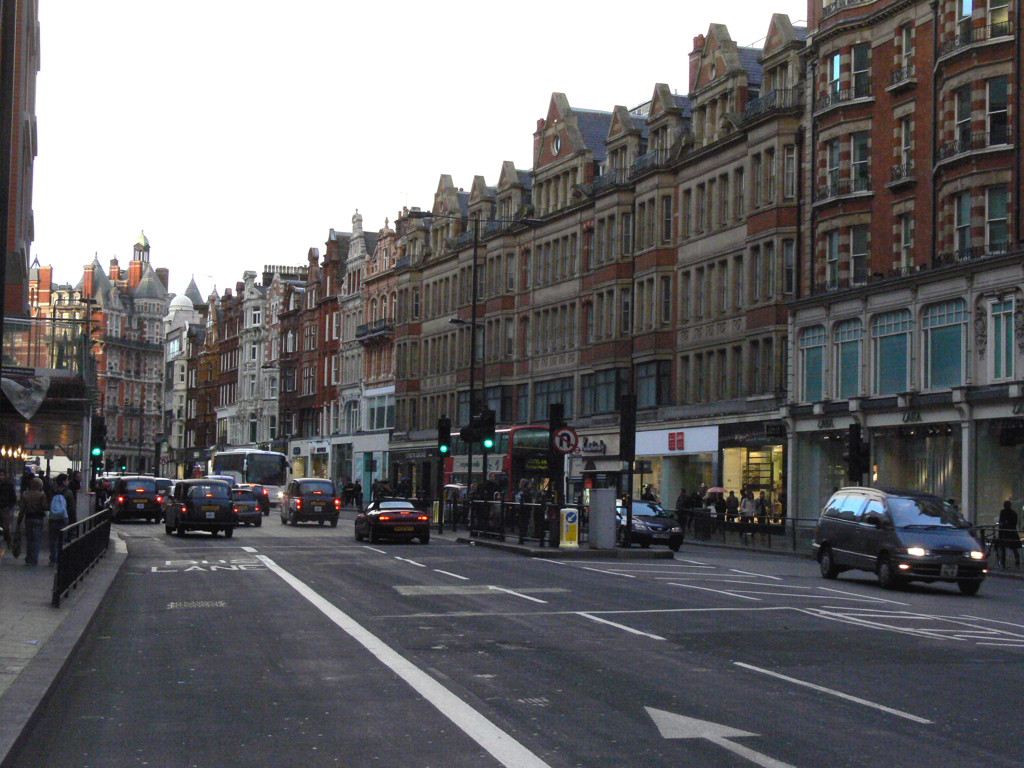 File knightsbridge for The knightsbridge