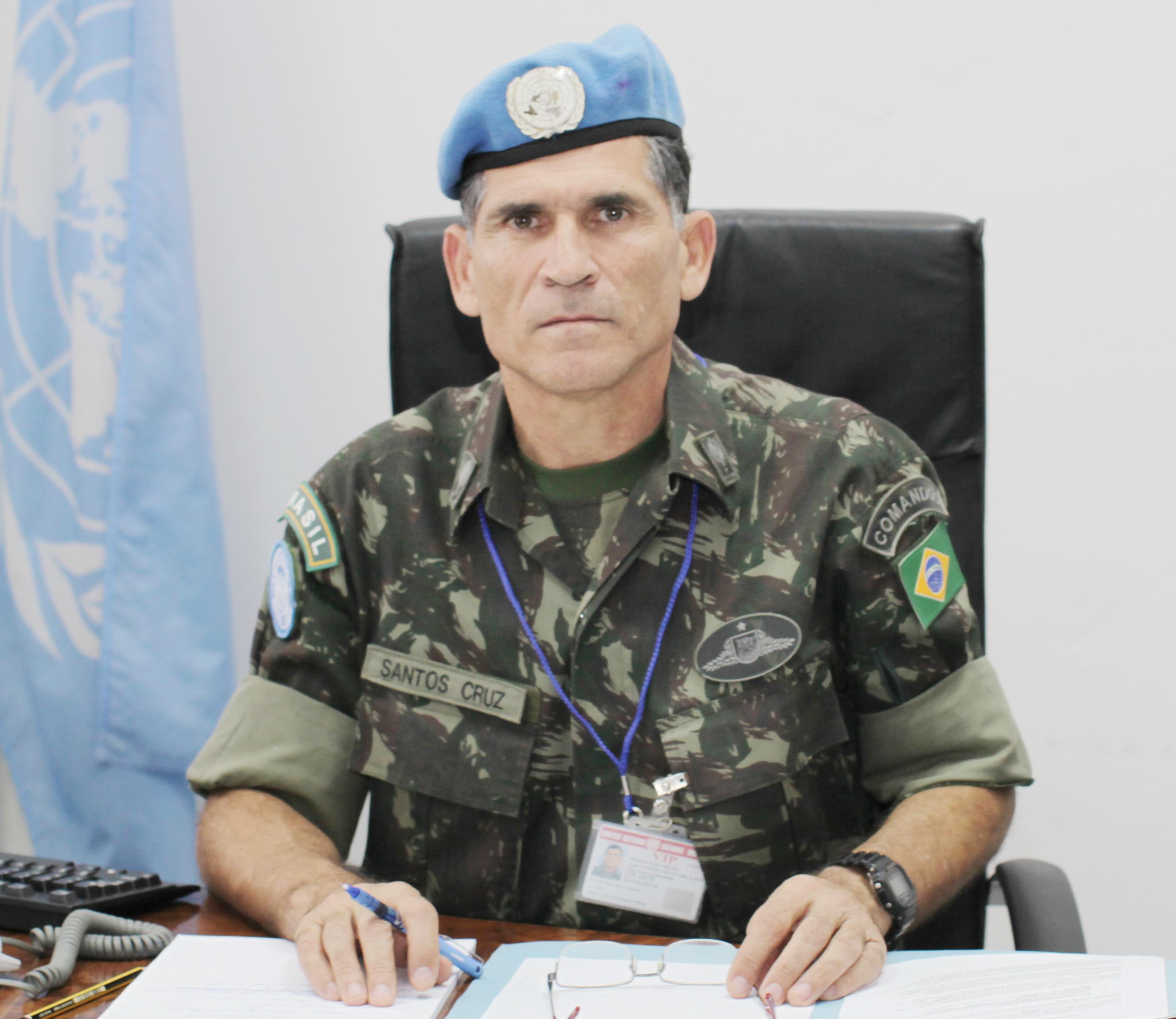 Clip: General Carlos Alberto dos Santos Cruz na ONU
