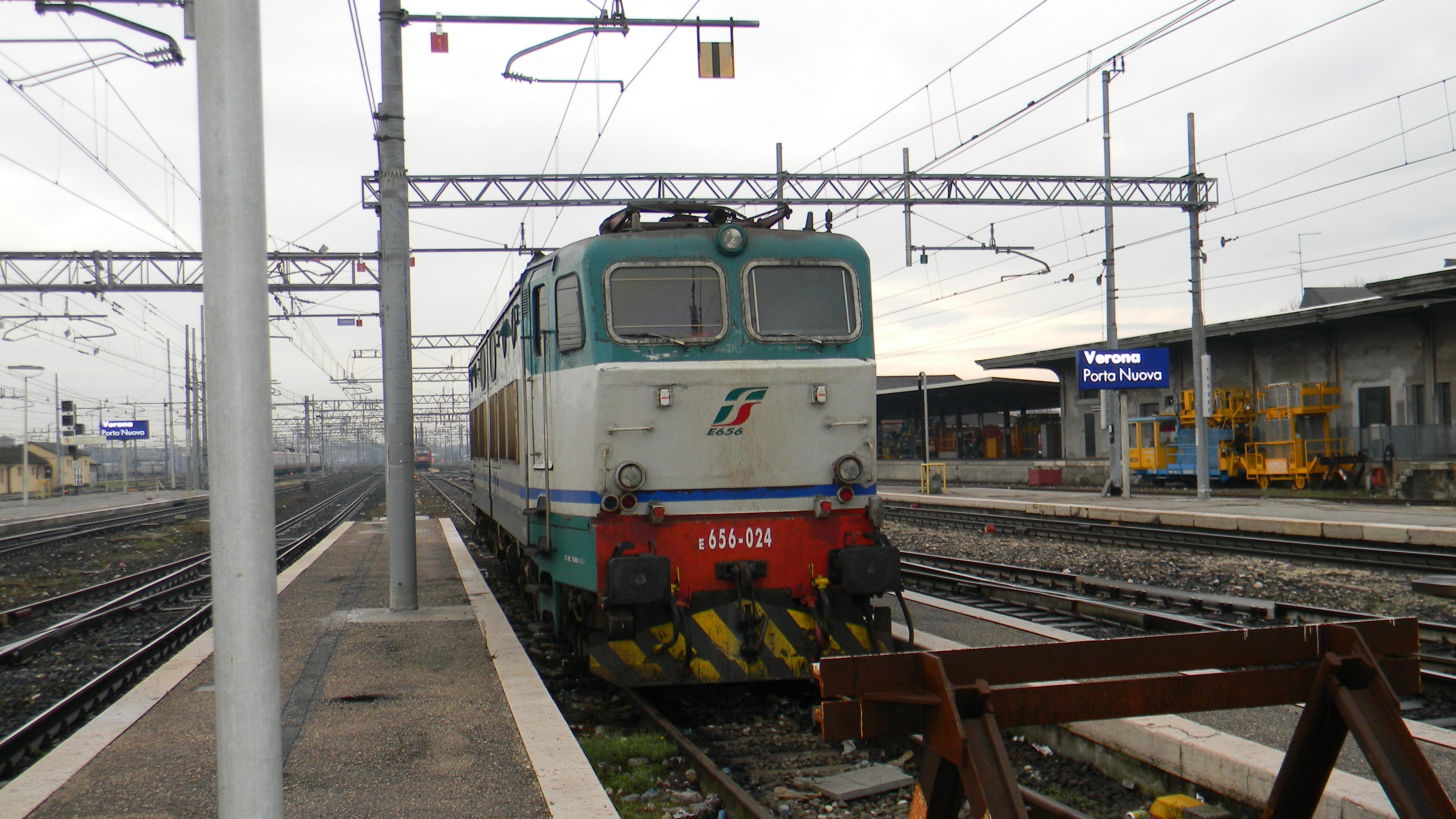 Abbigliamento di moda i vostri sogni orari treni porta - Orari treni milano torino porta nuova ...