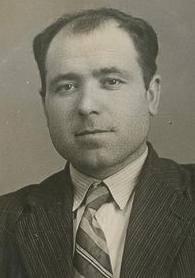 Luis Cicuéndez Muñoz, primer alcalde comunista d'Espanya. Va obtenir l'alcaldia de La Villa de Don Fadrique (Toledo) a les eleccions municipals de 1931.