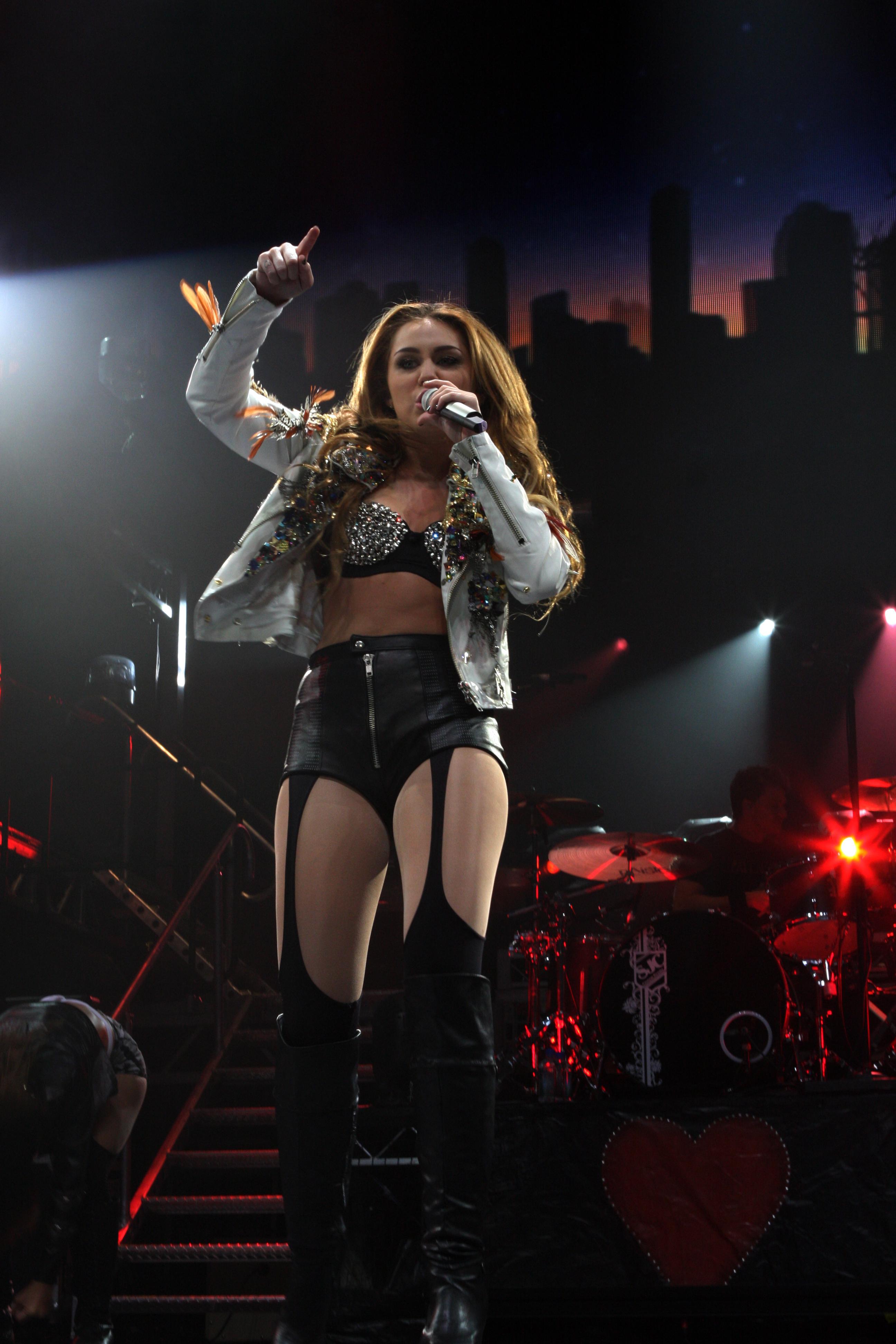 Miley Cyrus Gypsy Heart Tour Australia