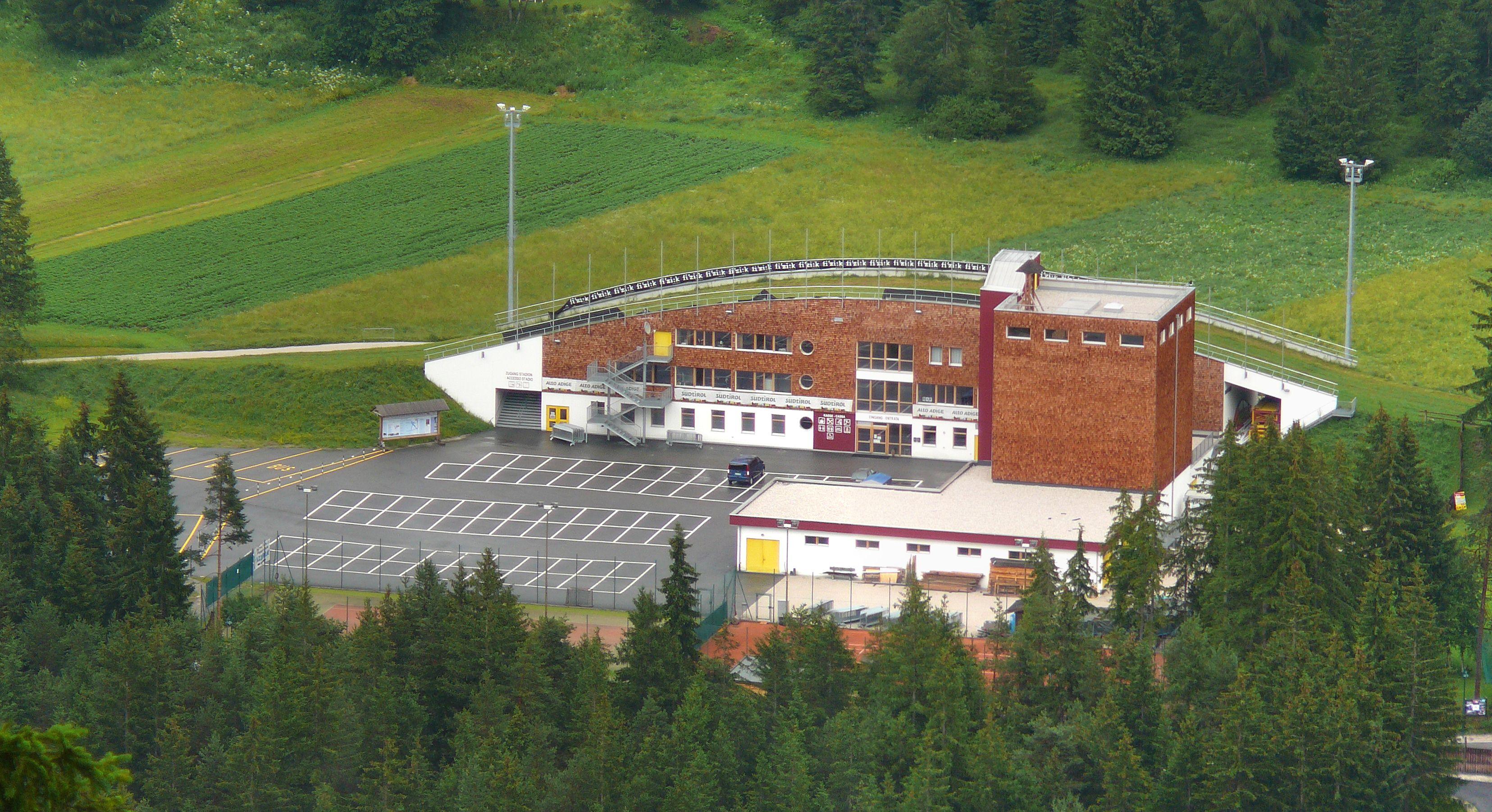 File nordic arena wikipedia for Dobbiaco soggiorno aeronautica