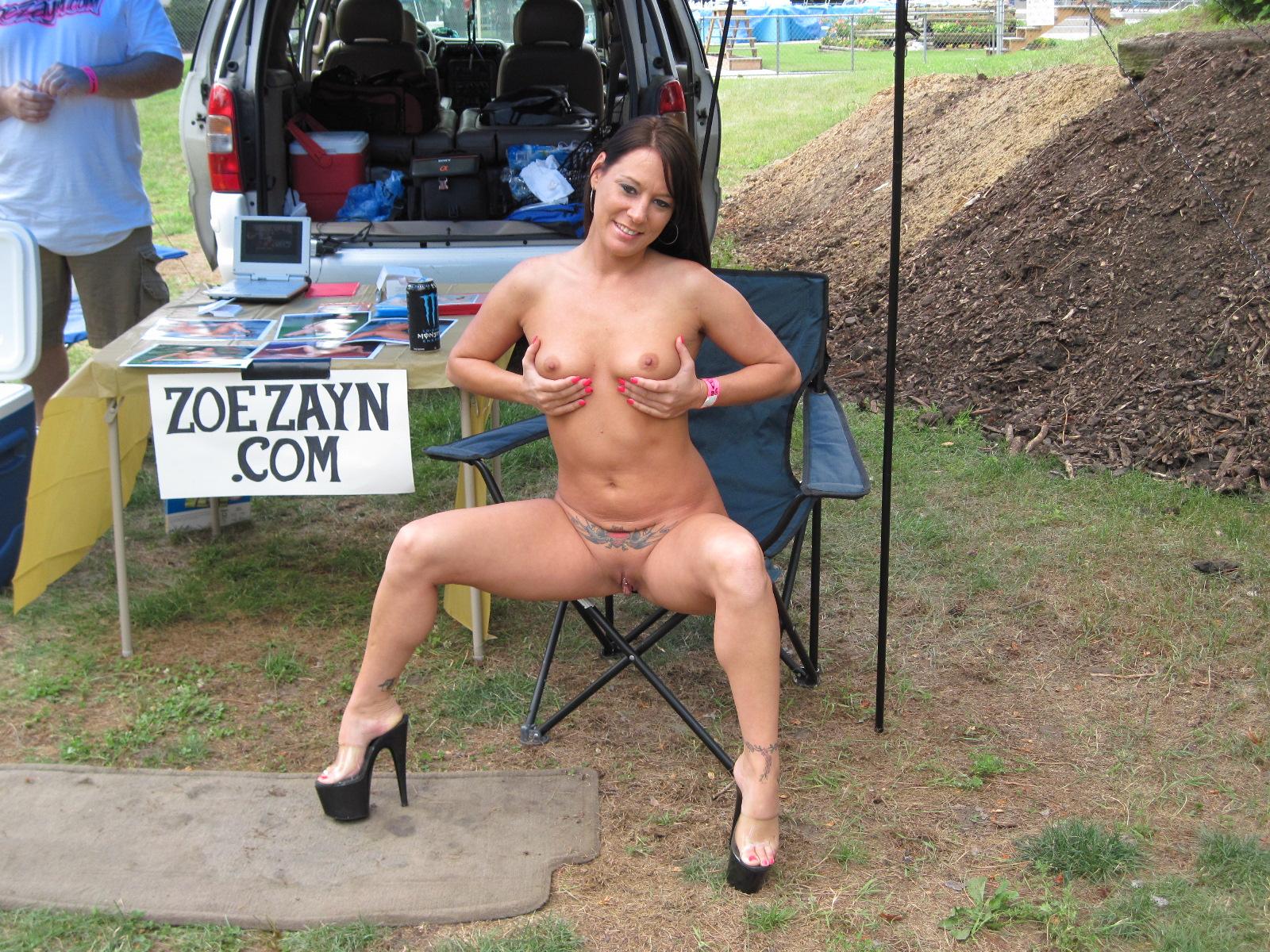 nudes a poppin granny