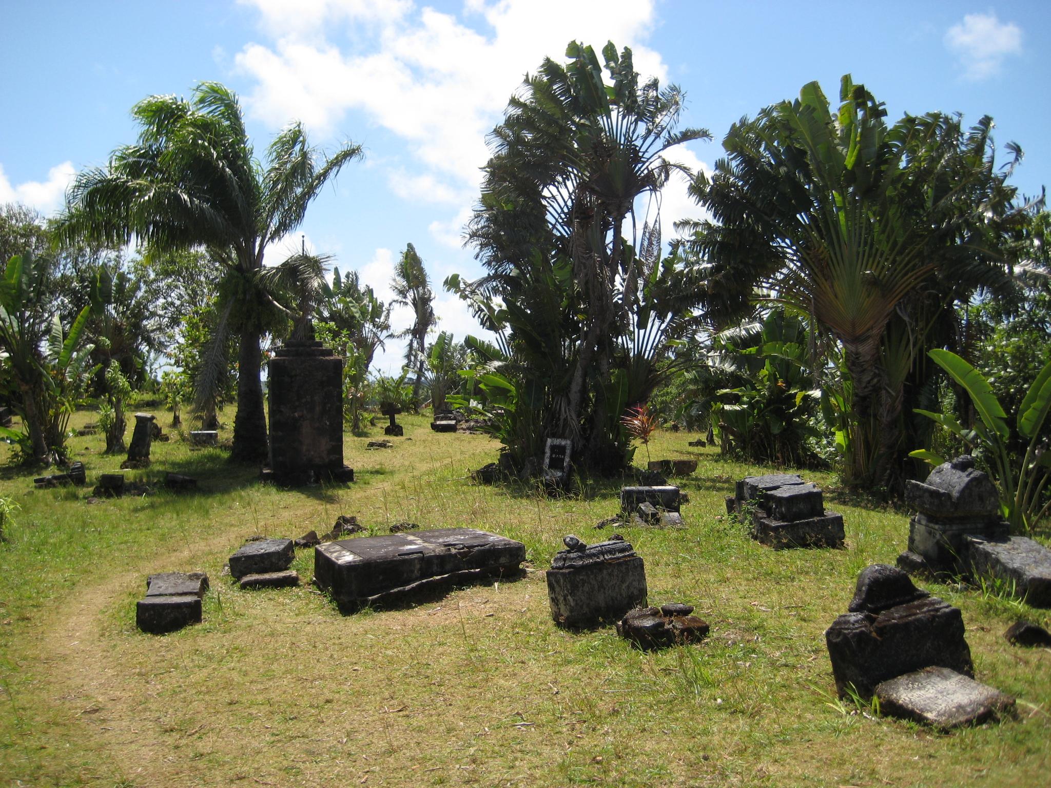 File:Pirate Cemetery, Ile Sainte-Marie.jpg