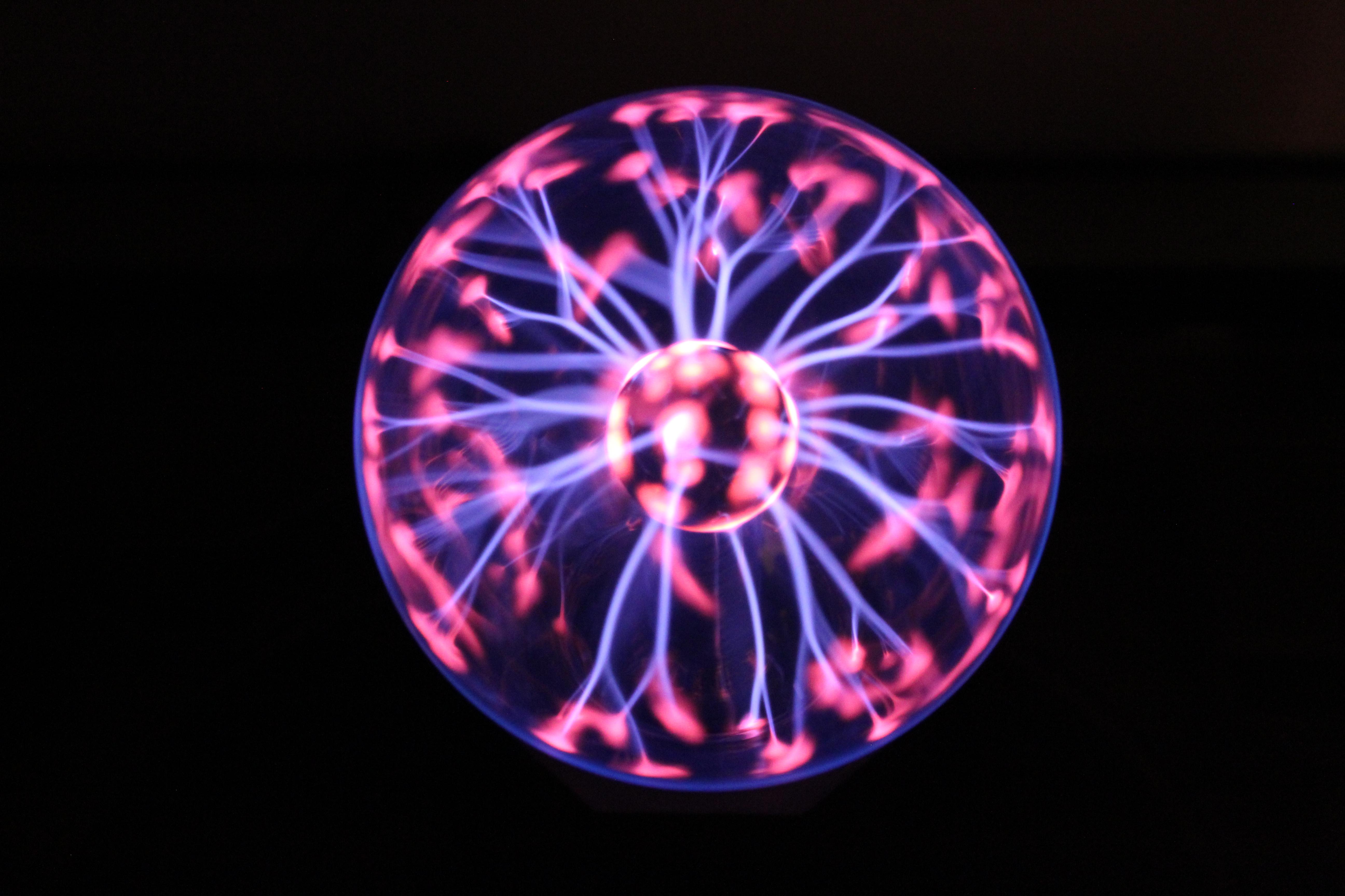 File Plasmakugel Plasma Ball Jpg Wikimedia Commons