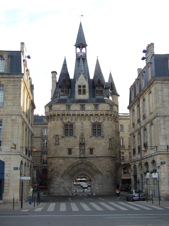 File:Porte Cailhau, Bordeaux, Aquitaine, France - panoramio.jpg